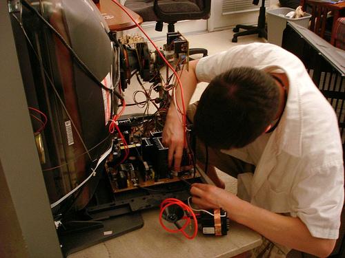 Починить телевизор на дому